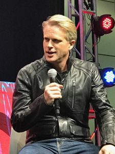 Cary Elwes at the Hot Topic Main Stage